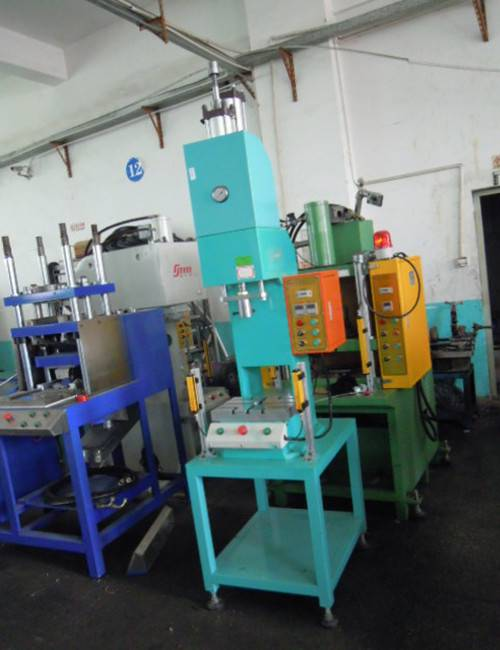 Professional R & D and production of C type _C hydraulic press
