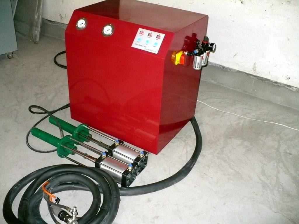 SELL PU injecting machine