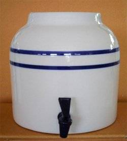 ceramics dispenser good qualtiy with one water tap