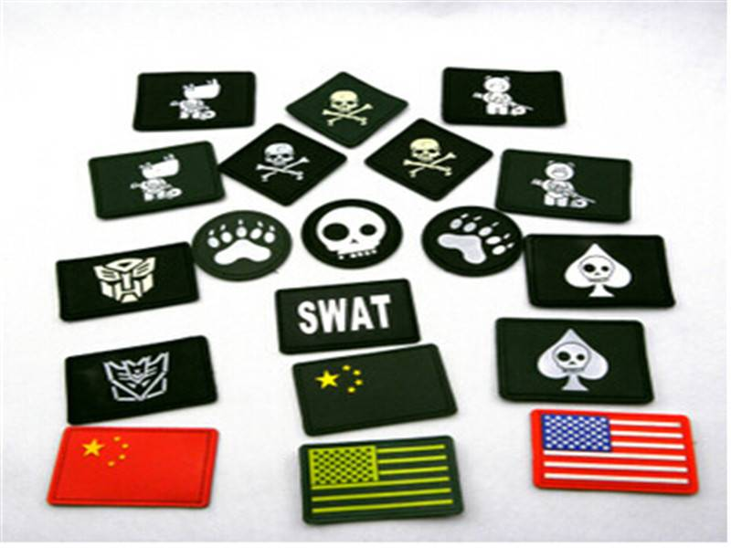 Seal tag wholesale plastic hang tags for clothing