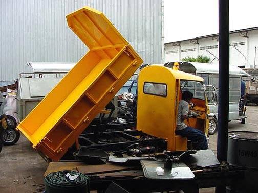 Tuk Tuk Dump Truck