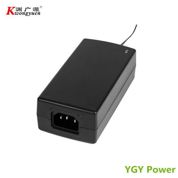 12V 5A Switching Power Adapter with UL, CE, FCC, GS, CCC Certified
