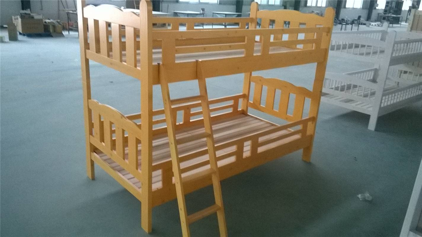 Antiquity design white pine twins beds