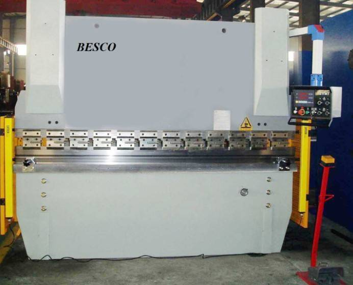 WC67Y-40T/2200 hydraulic press brake