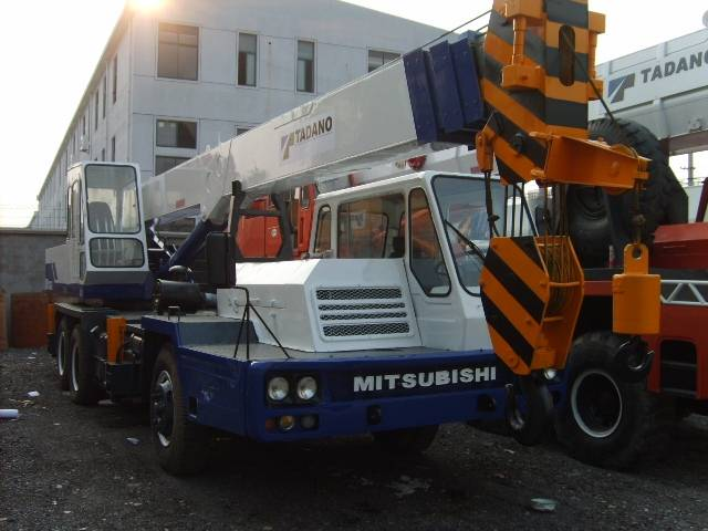 sell 25t used truck crane tadano TL-250E