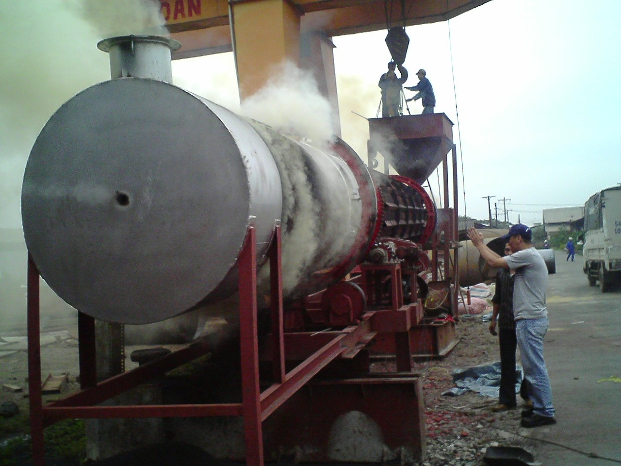 Continuous carbonization and softness process equipment for Rice husk