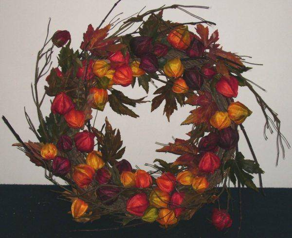 Decorative Flowers & Wreaths