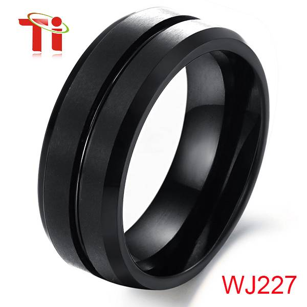 Ti Black Celtic Weeding Bands in Tungsten