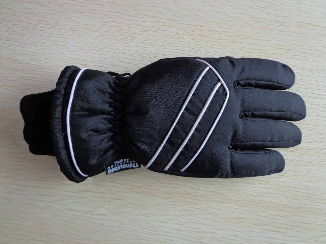 Supply ski gloves