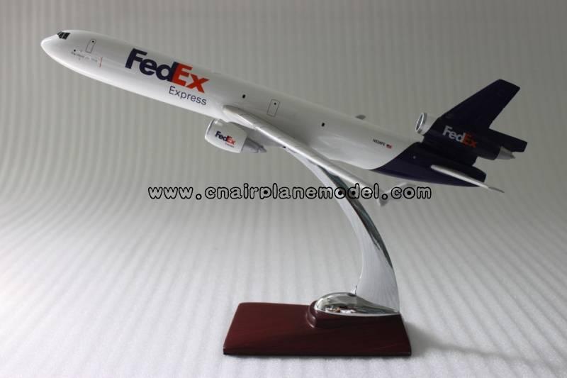 airplane model MD-11 FedEx