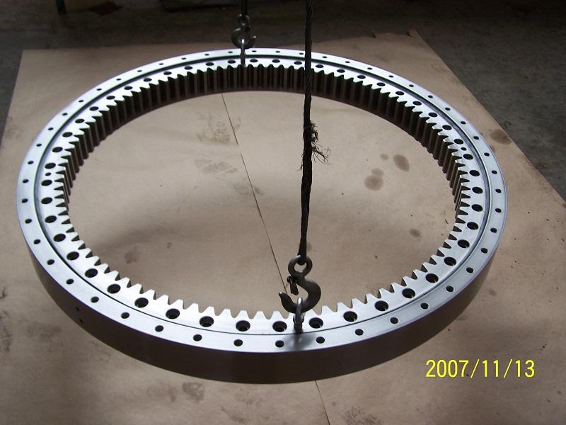 XSI 140844N Slewing Ring Bearing 91473656mm