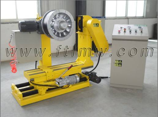 Tire retreading buffing machine