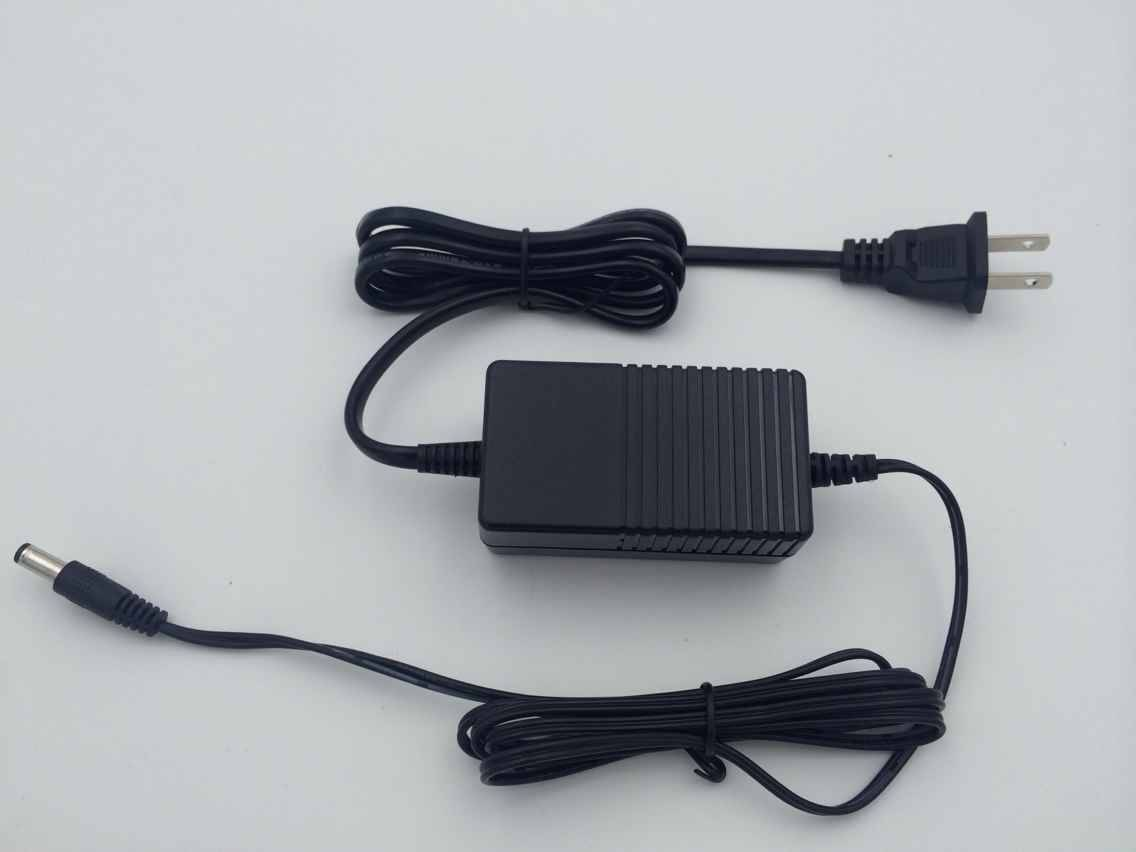 24W Power Adapter with 100-240V AC Input Voltage, 50-60Hz Frequency