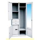 Moisture supply closet