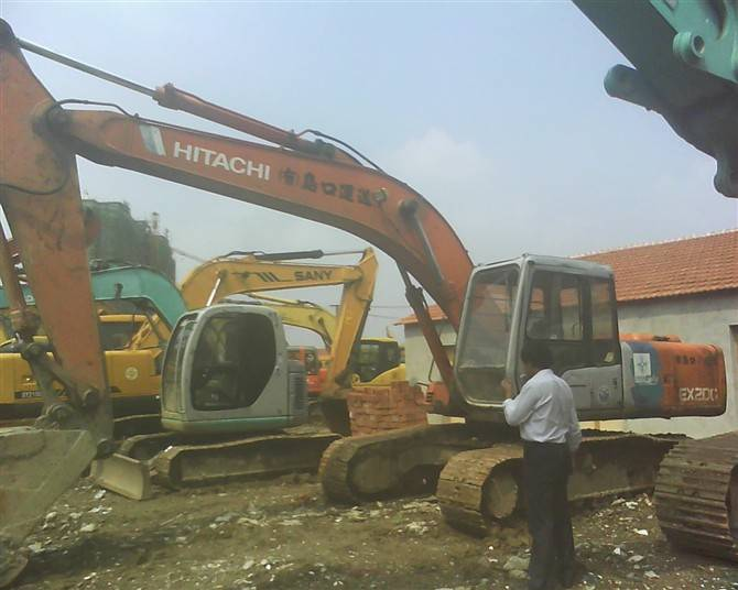 Sell HITACHI excavator EX 200-2