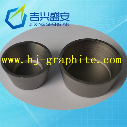 High strength graphite crucible