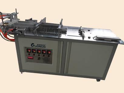 Semi-automatic pneumatic cellophane wrapping machine