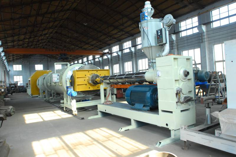 HDPE heating preservation pipe production line