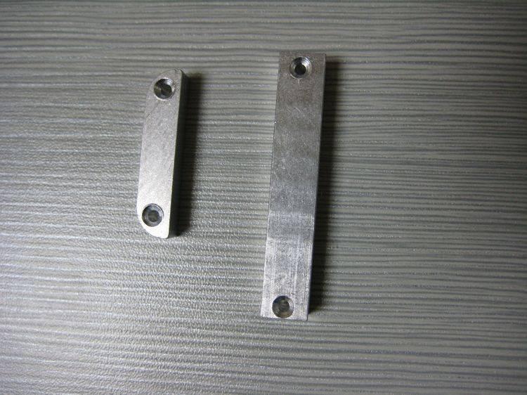 machining and turning Aluminium hinge base