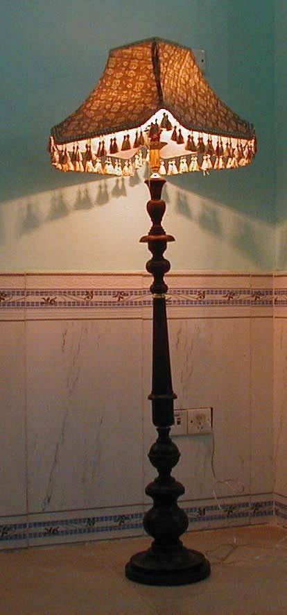 wodden floor lamp