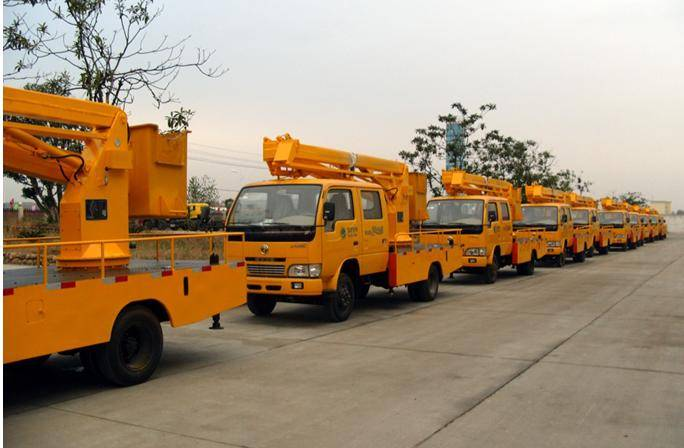 High-altitude operation truck, hydraulic aerial cage, overhead working truck, aerial work platform