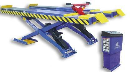 Large platform scissor lift for four wheel alignment