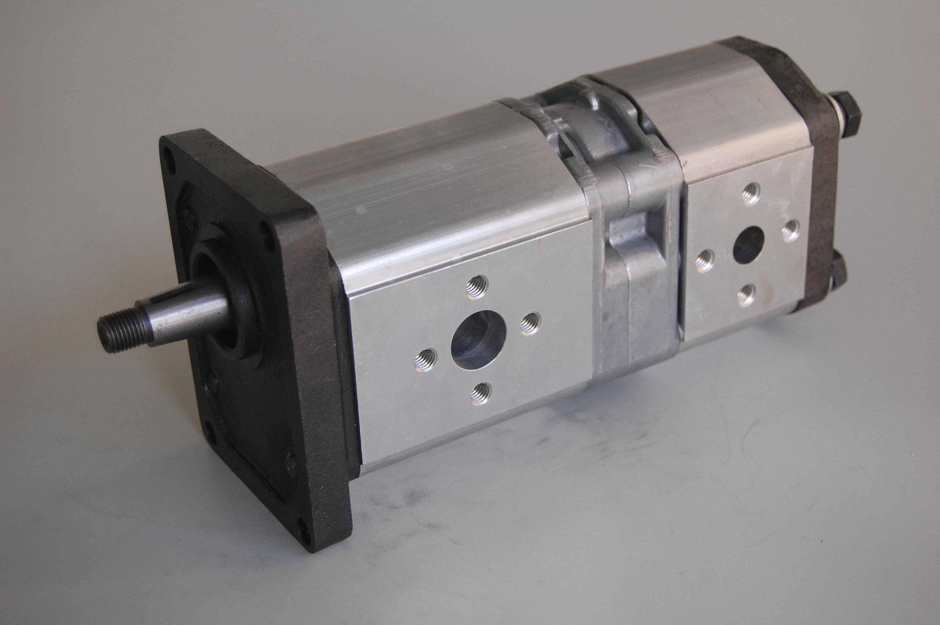 Uchida Rexroth Hydraulic Gear Pump for Forklift Trucks, Cranes, Bulldozers, Loaders, Kubota Excavato
