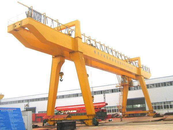 A Model Double Beam Gantry Crane