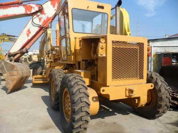 used komatsu GD511A bulldozer