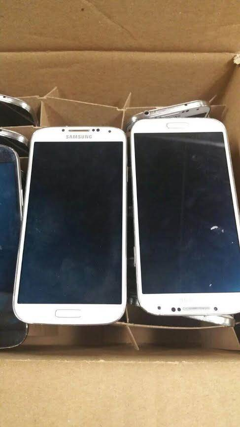USED SAMSUNG I337 PWR ON BAD LCD