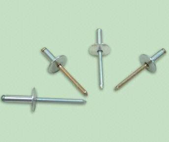 Large flange, aluminum alloy rivets with steel mandrels