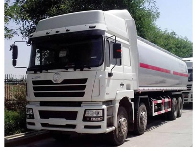 Shacman Tanker Truck 12 wheels