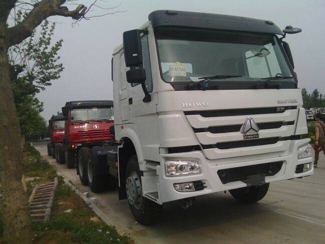 336HP 6 x 2 Tractor Truck With Euro II Engine