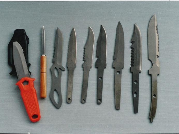 Titanium alloy blades and knife