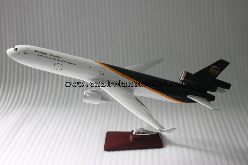 aircraft model MD-11 UPS