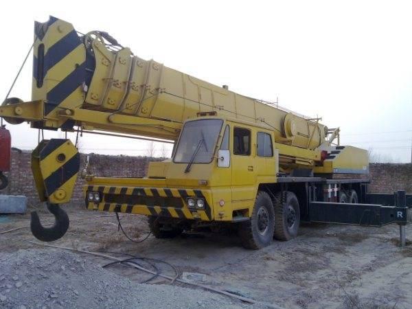 Sell Japan made TADANO TG700E mobile truck crane used tadano 70ton crane TEL:+8613818259435