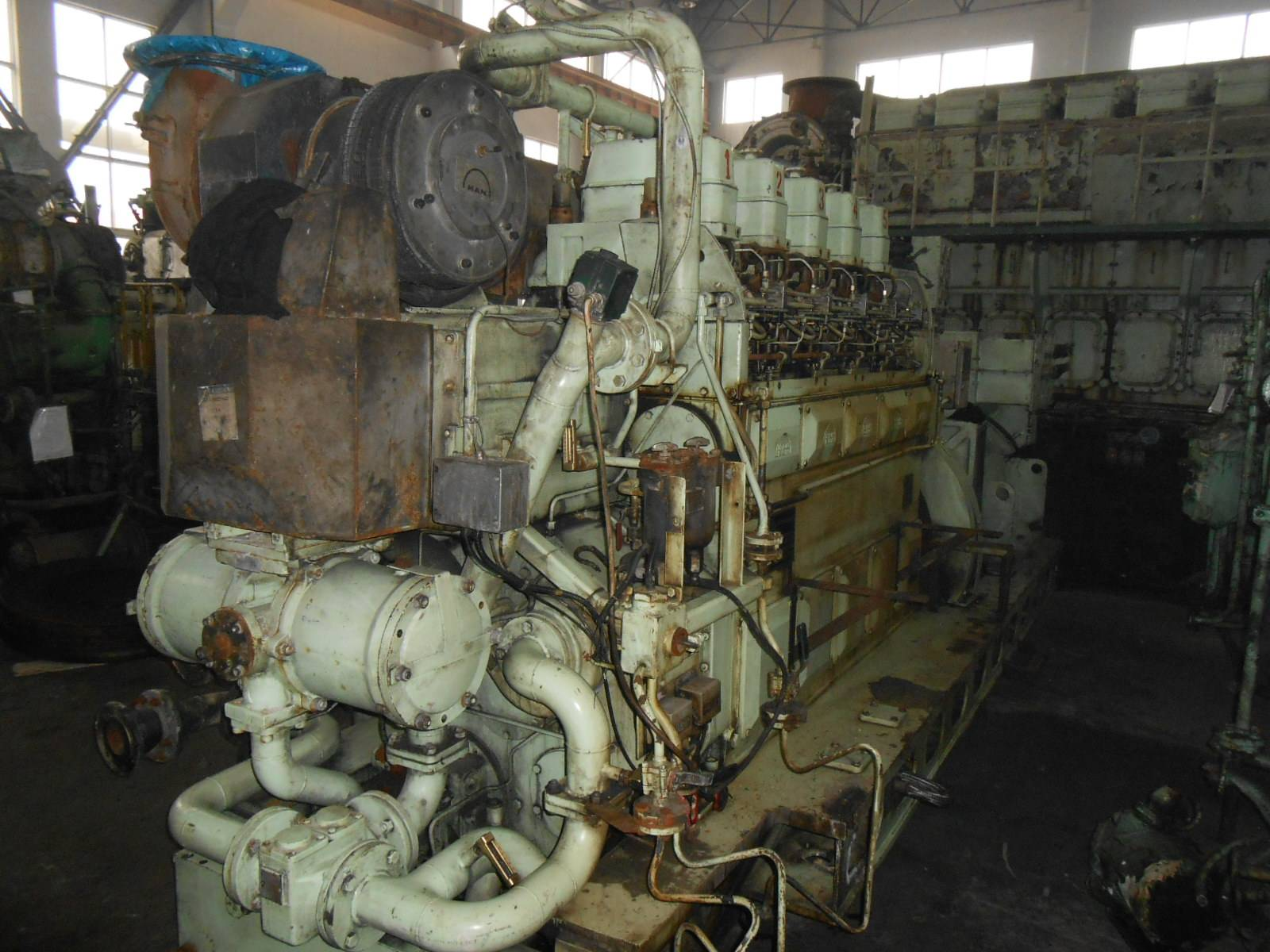 QINHUANGDAO SINOOCEAN MARINE stock MAN B&W 5L23/30H crankshaft and diesel engine complete for sale