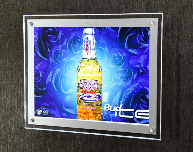 Low energy consumption light box for advertisement