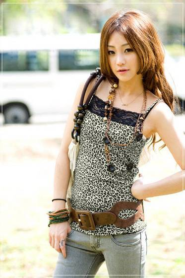 Ladies Tank Top Fashionable Leopard Printing Satin Fabric Braces