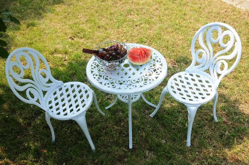 Garden Cast aluminium 3 piece bistro table set