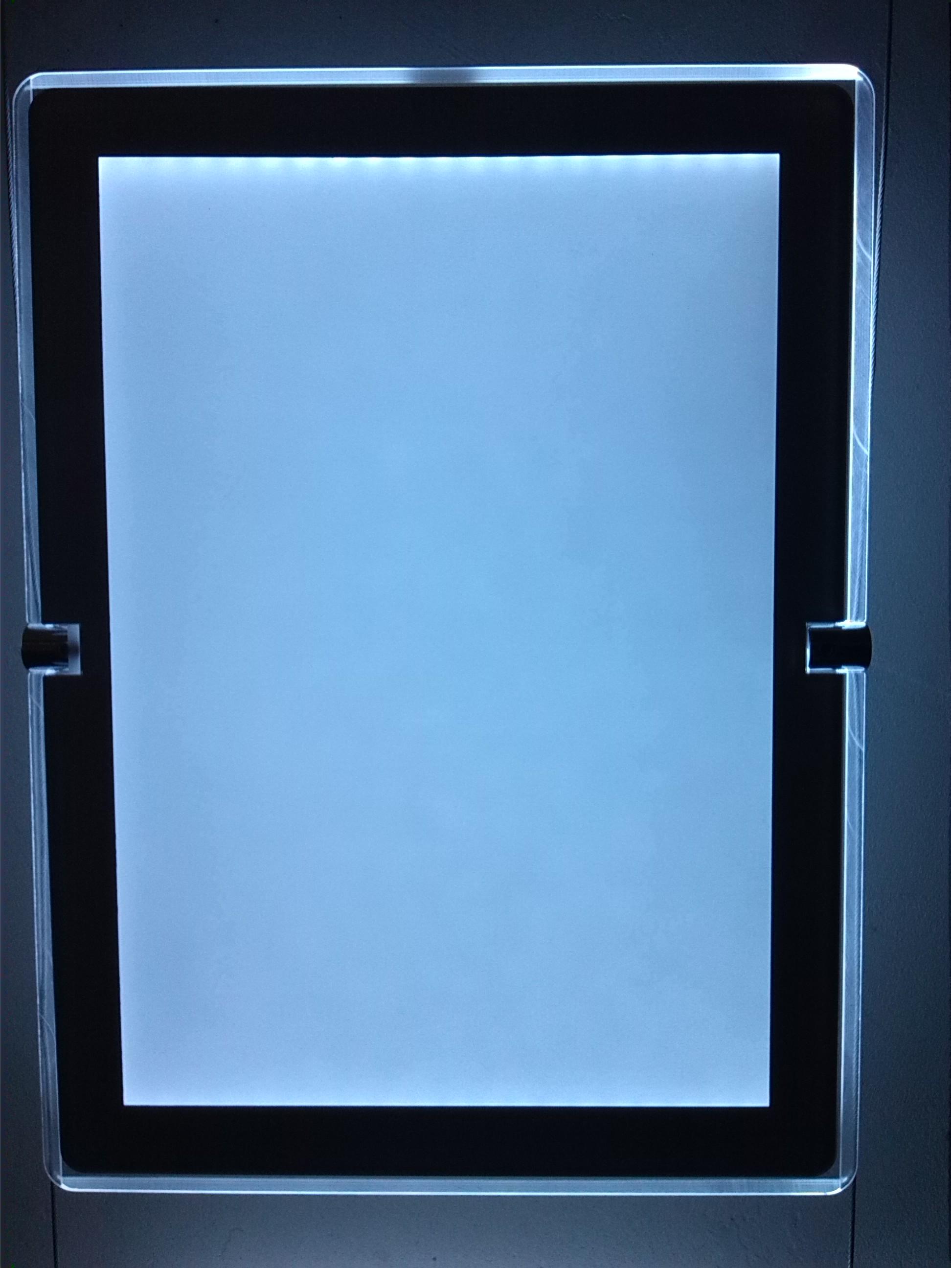 Super slim light box for window display