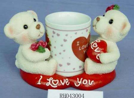 Poly resin Valentines figurines with mug