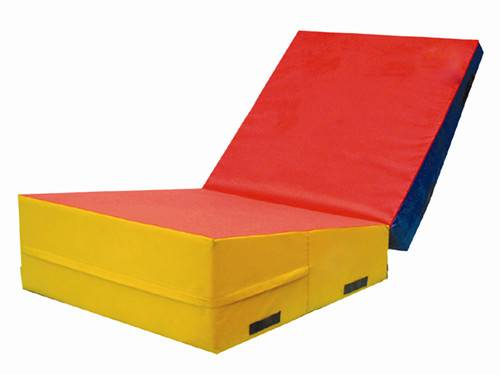 Folding incline mat