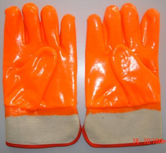 Fluorescent single dipped/coated PVC work glove Foam Insulated liner