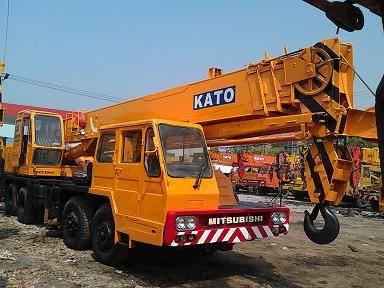 used KATO crane NK-300E 30t 0086-13167003691