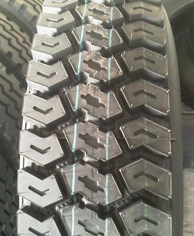 Off road truck tire 12.00R24