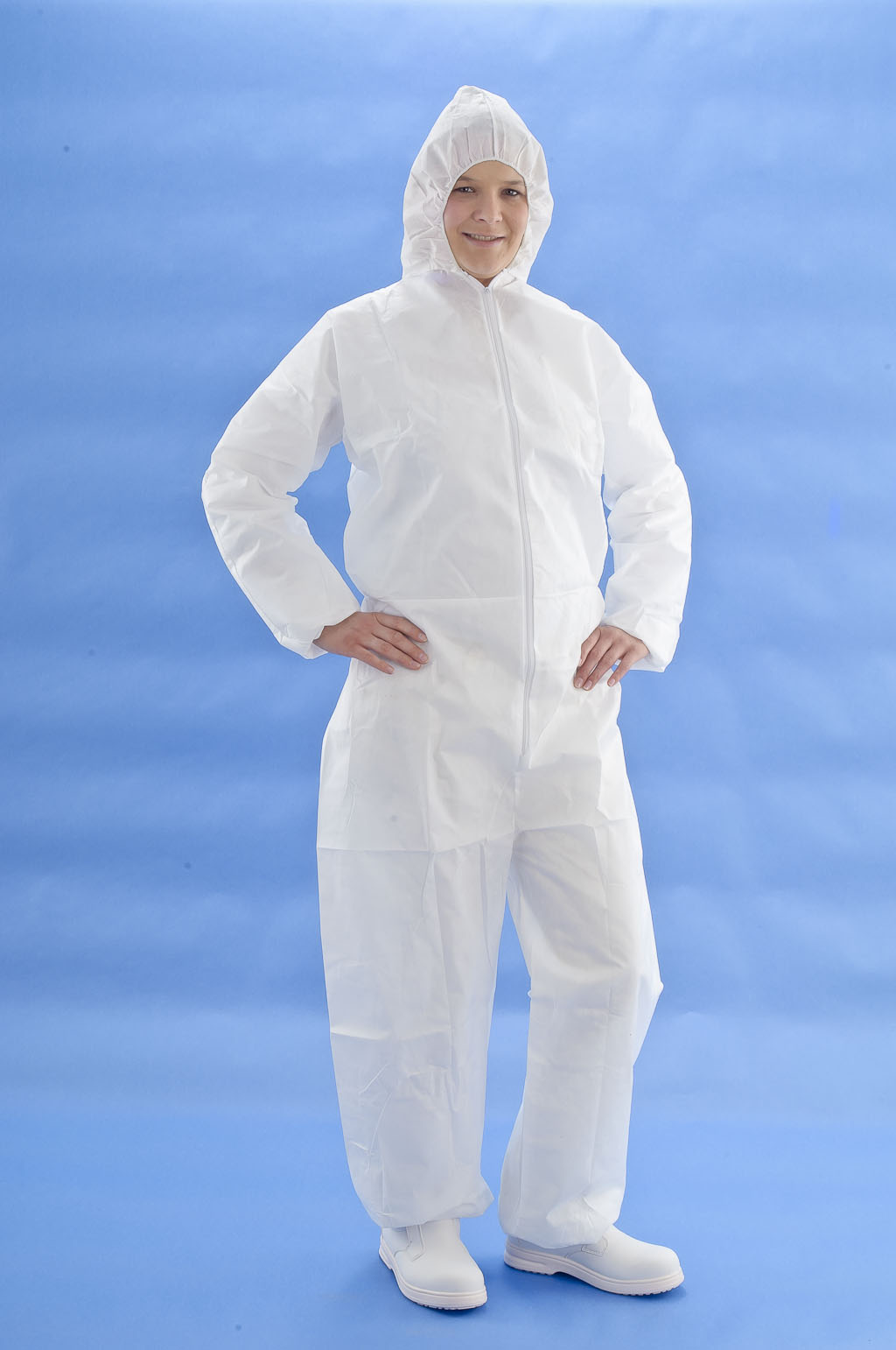 BUY 6.000 PCS DISPOSABLE MICROPOURUS COVERALL