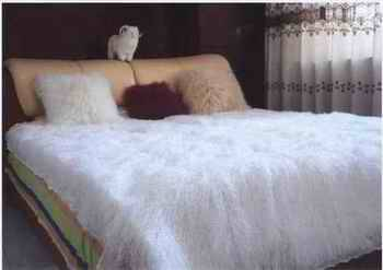 mongolian lamb fur rug, fur rug, rug,. sheepskin rug