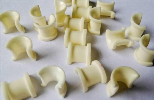 Kancing keramik alumina untuk tekstil