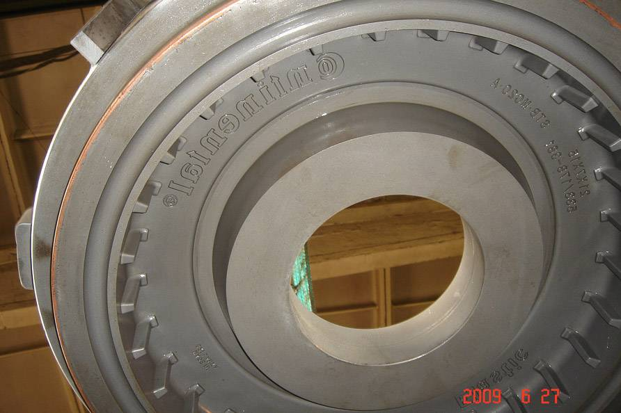 press-on solid tyre mould